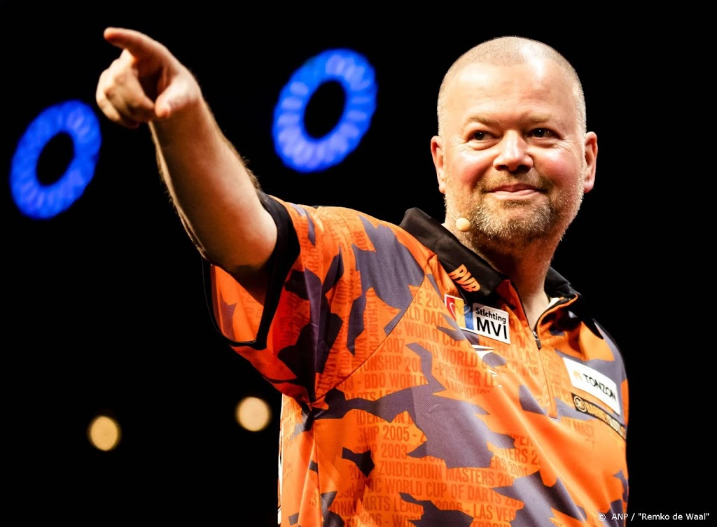 'Barney' verslaat aartsrivaal 'The Power' in huiskamerduel darts