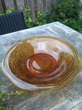 Persglazen schaal amber kleurig